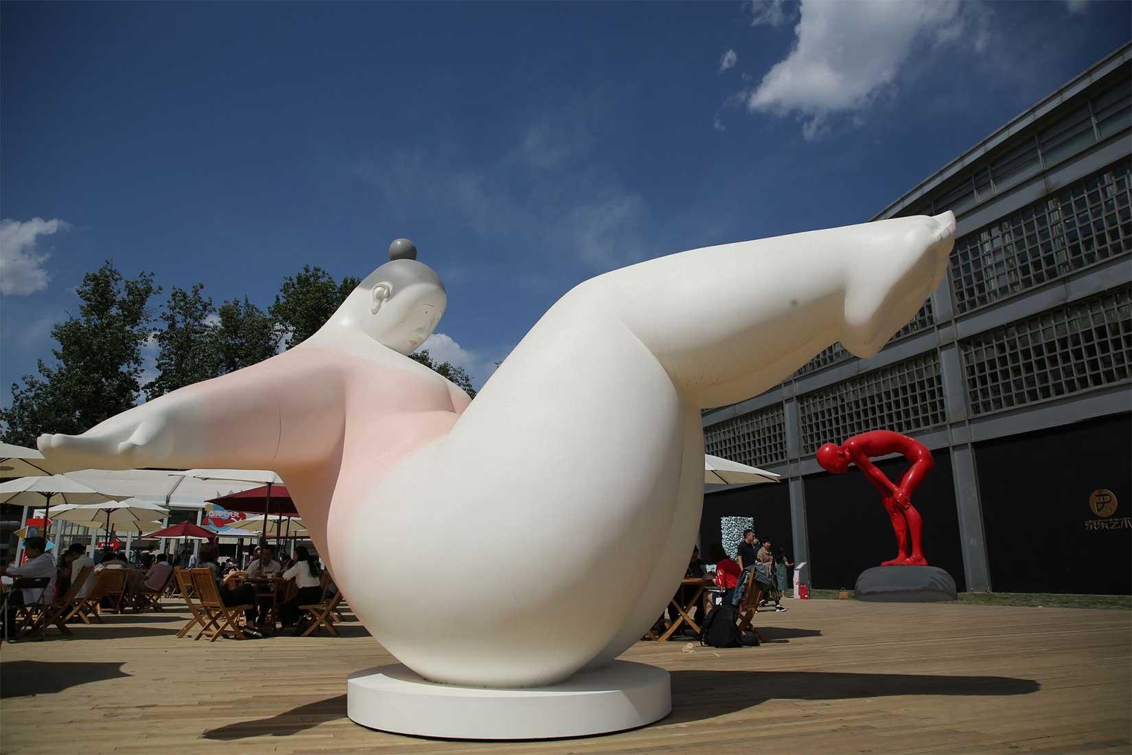luo-dan-rolling-sculpture